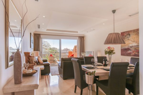 SPACIOUS 2 BED APARTMENT IN MARBELLA - SAH1811